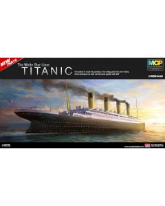 1/400  RMS  TITANIC  (GEKLEURD) Academy 14215