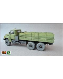 1/35  Ukraine  KrAz-6322  Heavy  Truck (TAK2022)