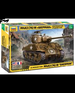 """1/35 US M4A3 (76mm) """"Sherman"""" Tank Zvezda 3676"""